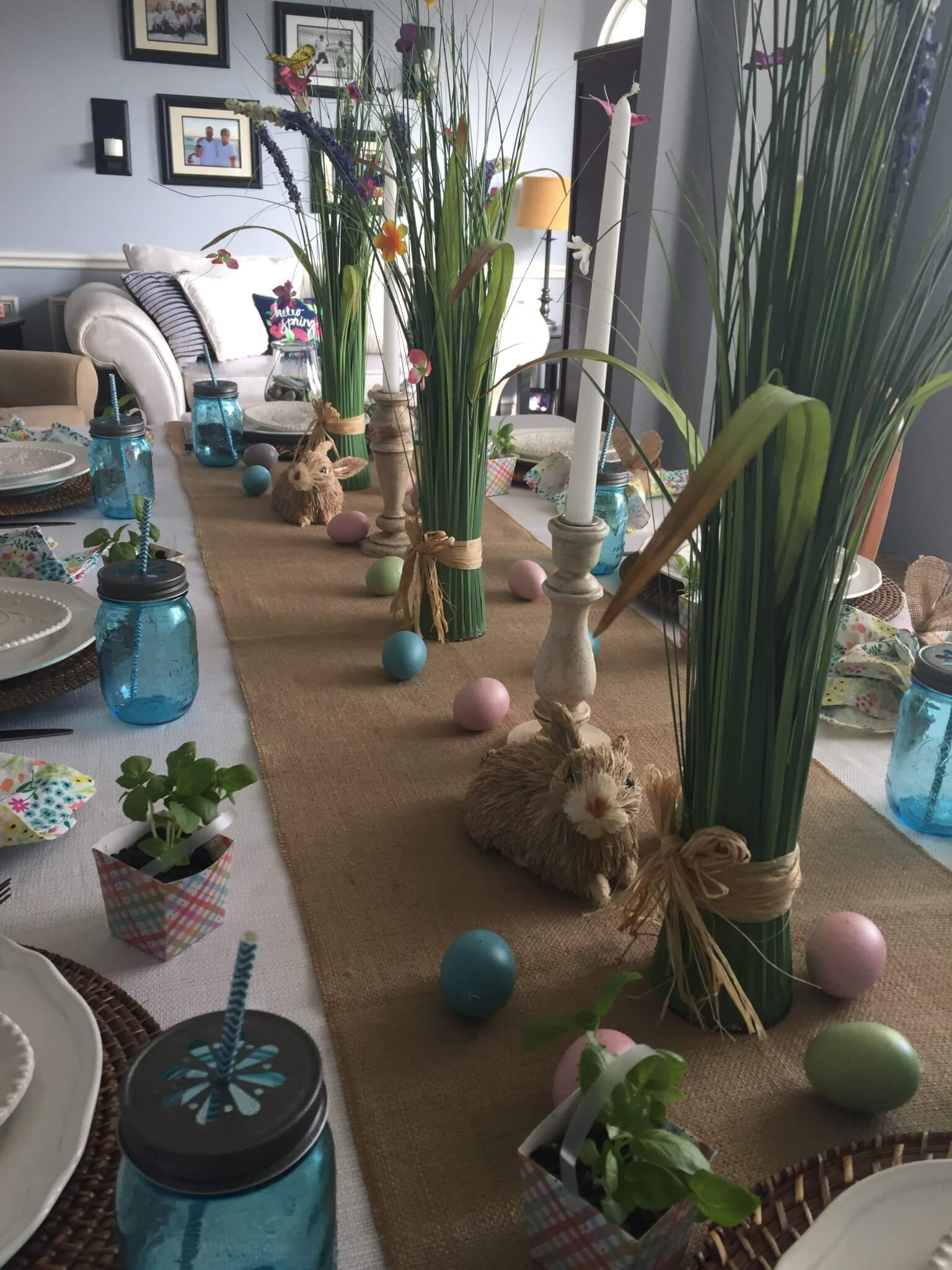 Easy Inexpensive DIY Herb Favors For Your Spring/Easter Tablescape.