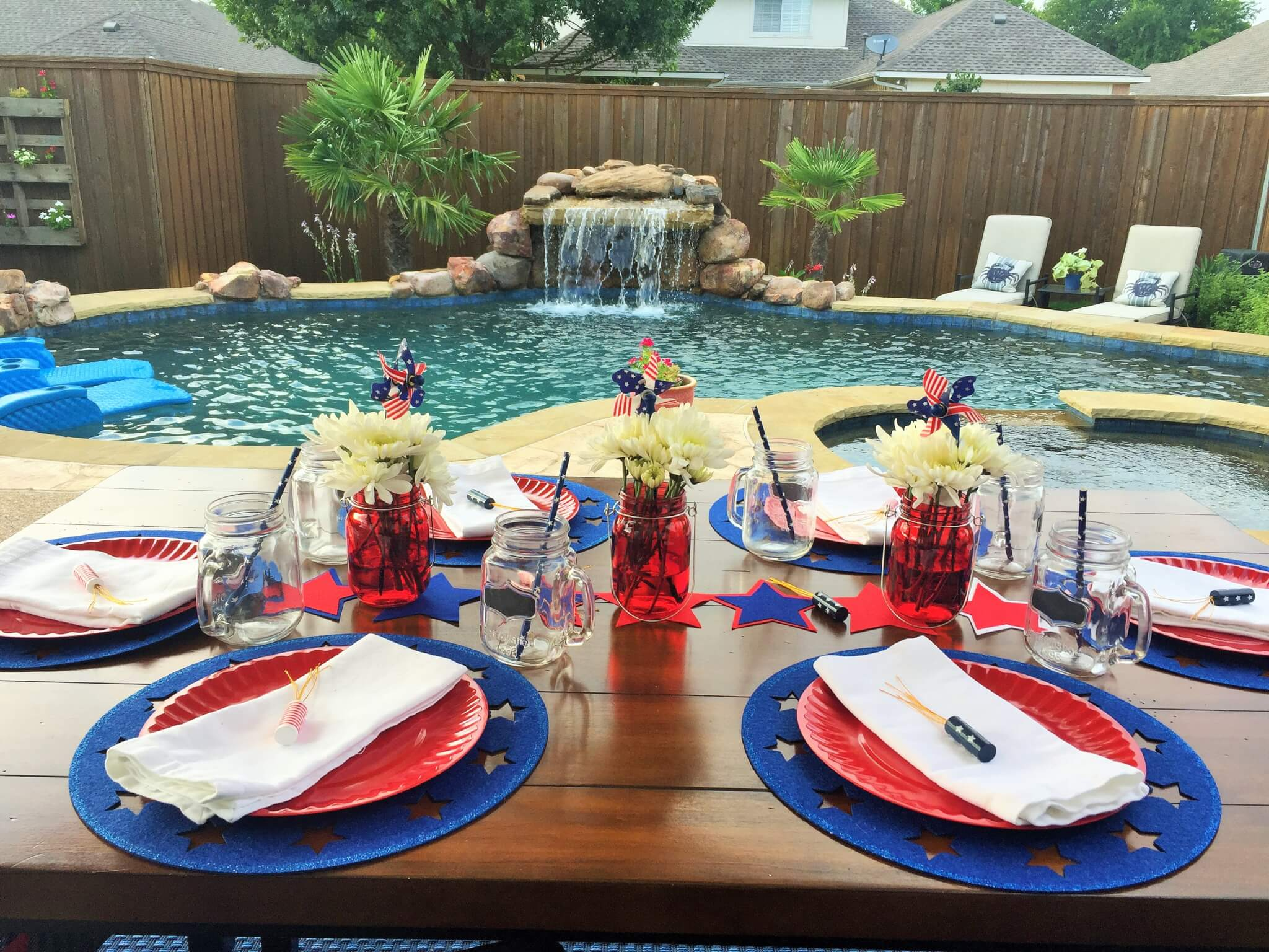 Patriotic Tablescape with mason jars