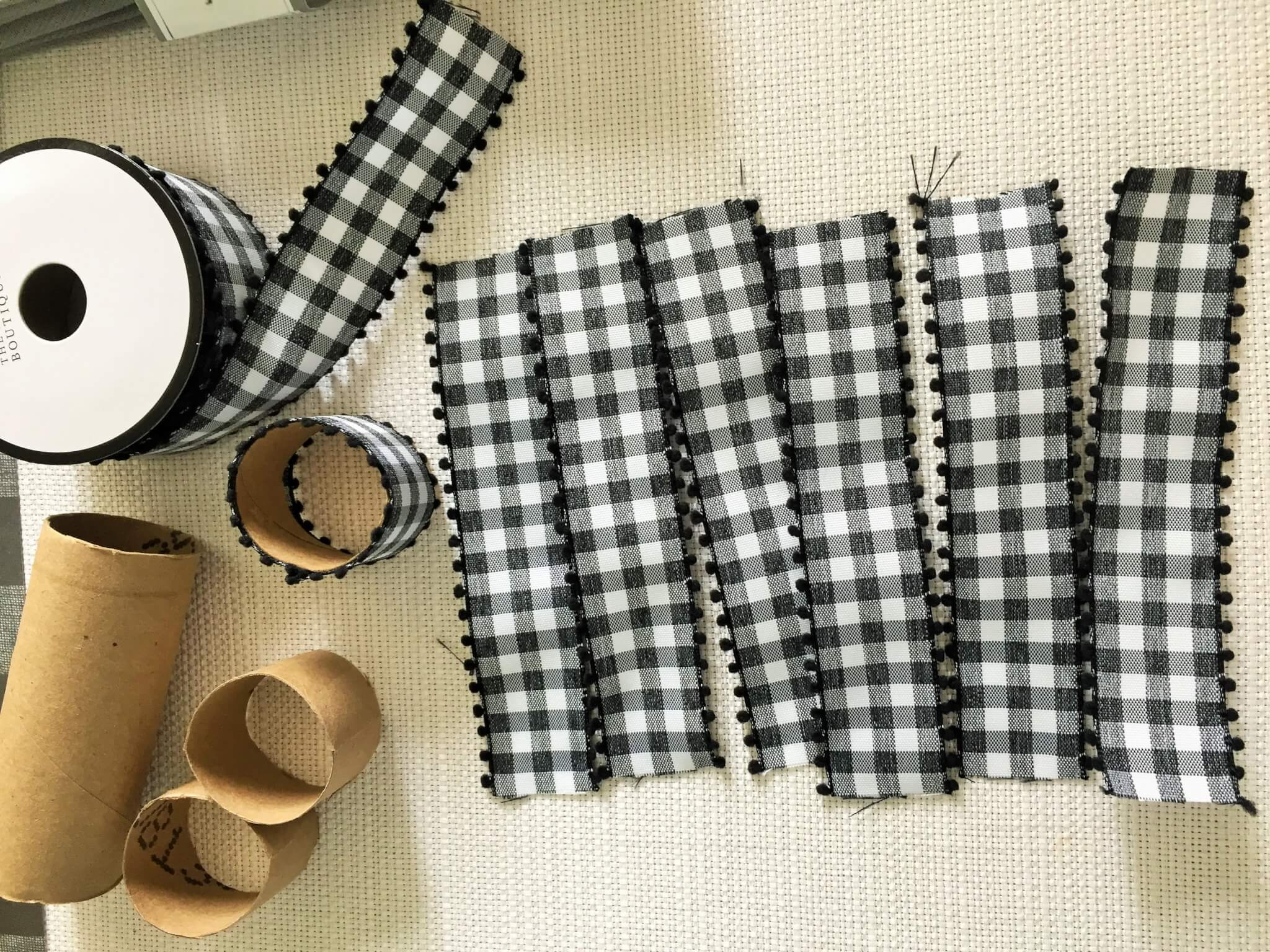 DIY napkin rings with toilet paper rolls