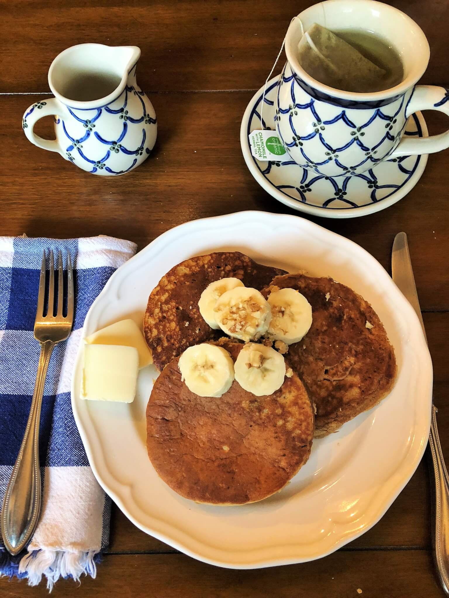 Fluffy and delicious whole wheat banana pancakes taste just like banana bread! Make a big batch a freeze leftovers for busy mornings!