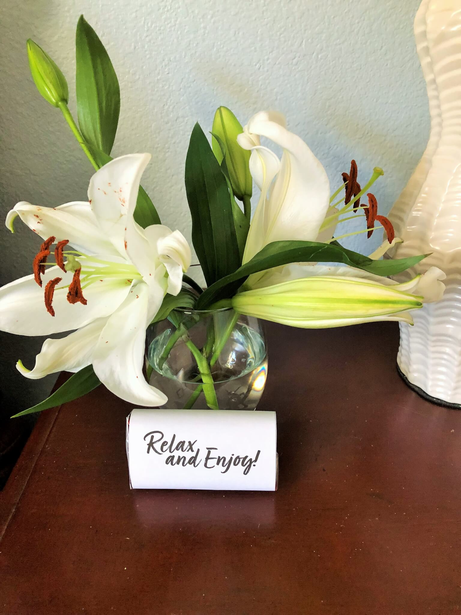 holiday guest room flowers