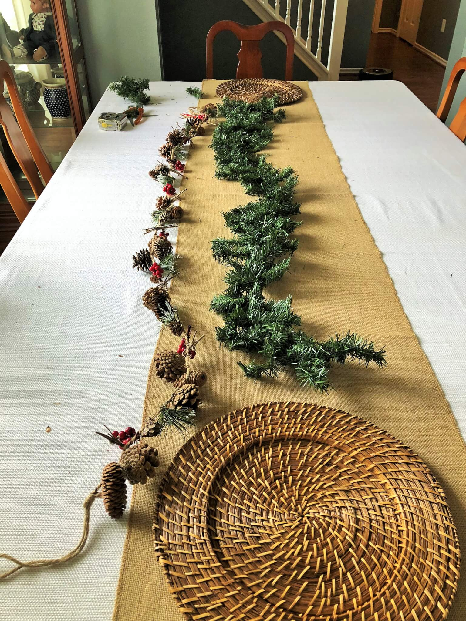 Christmas tablescape DIY centerpiece