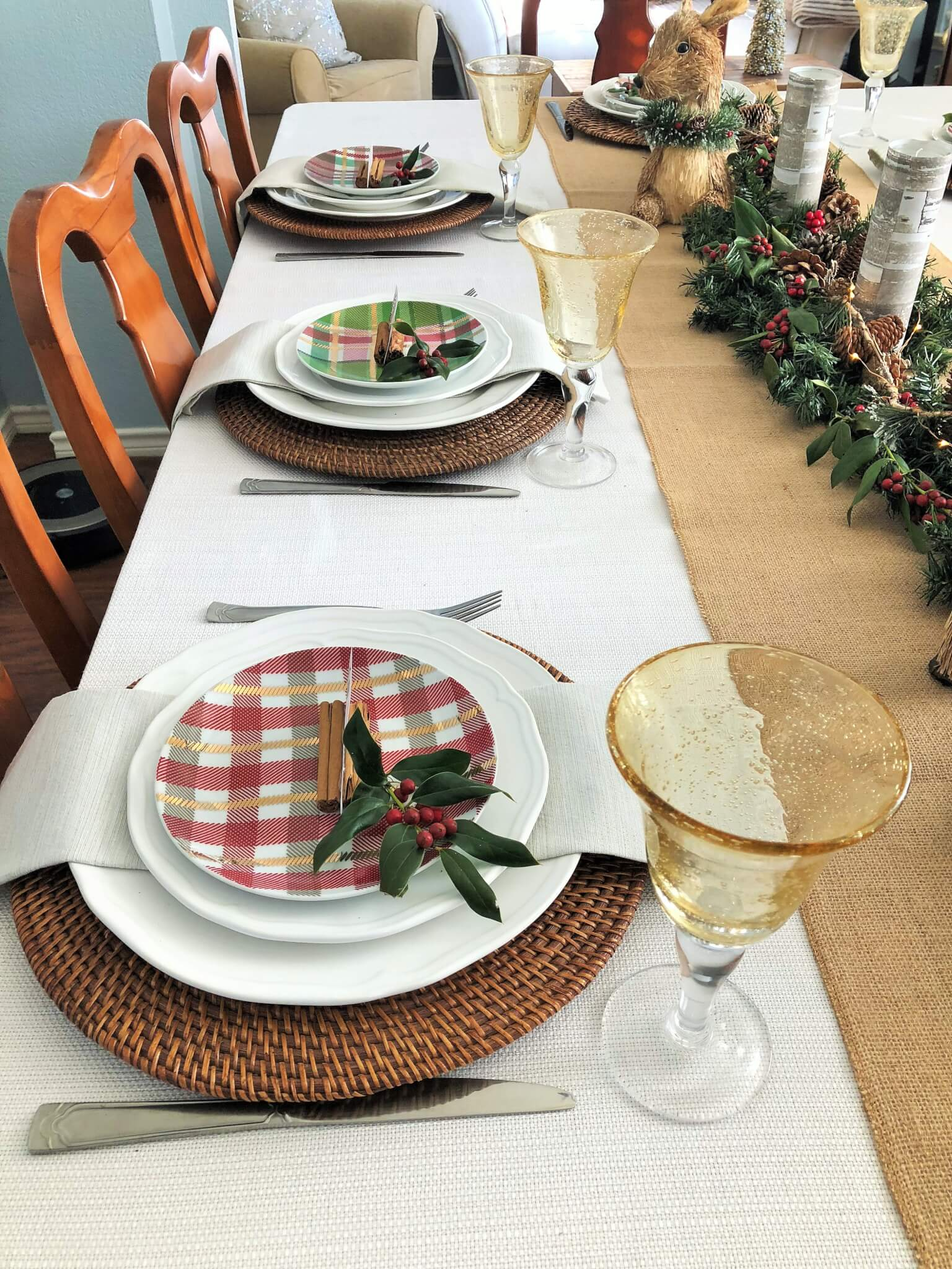 Christmas Tablescape with plaid dessert plates.