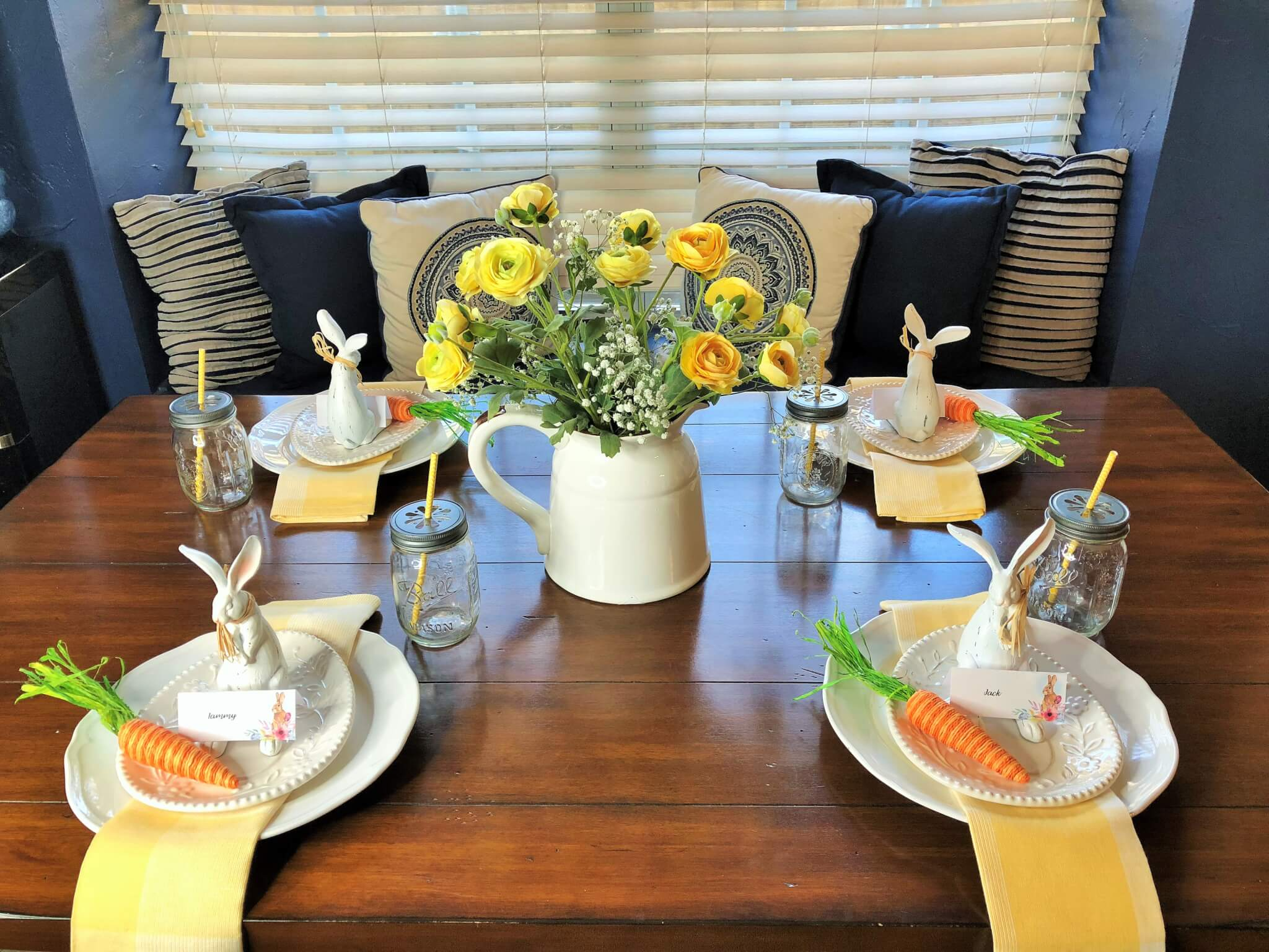 Easy Spring/Easter Tablescape