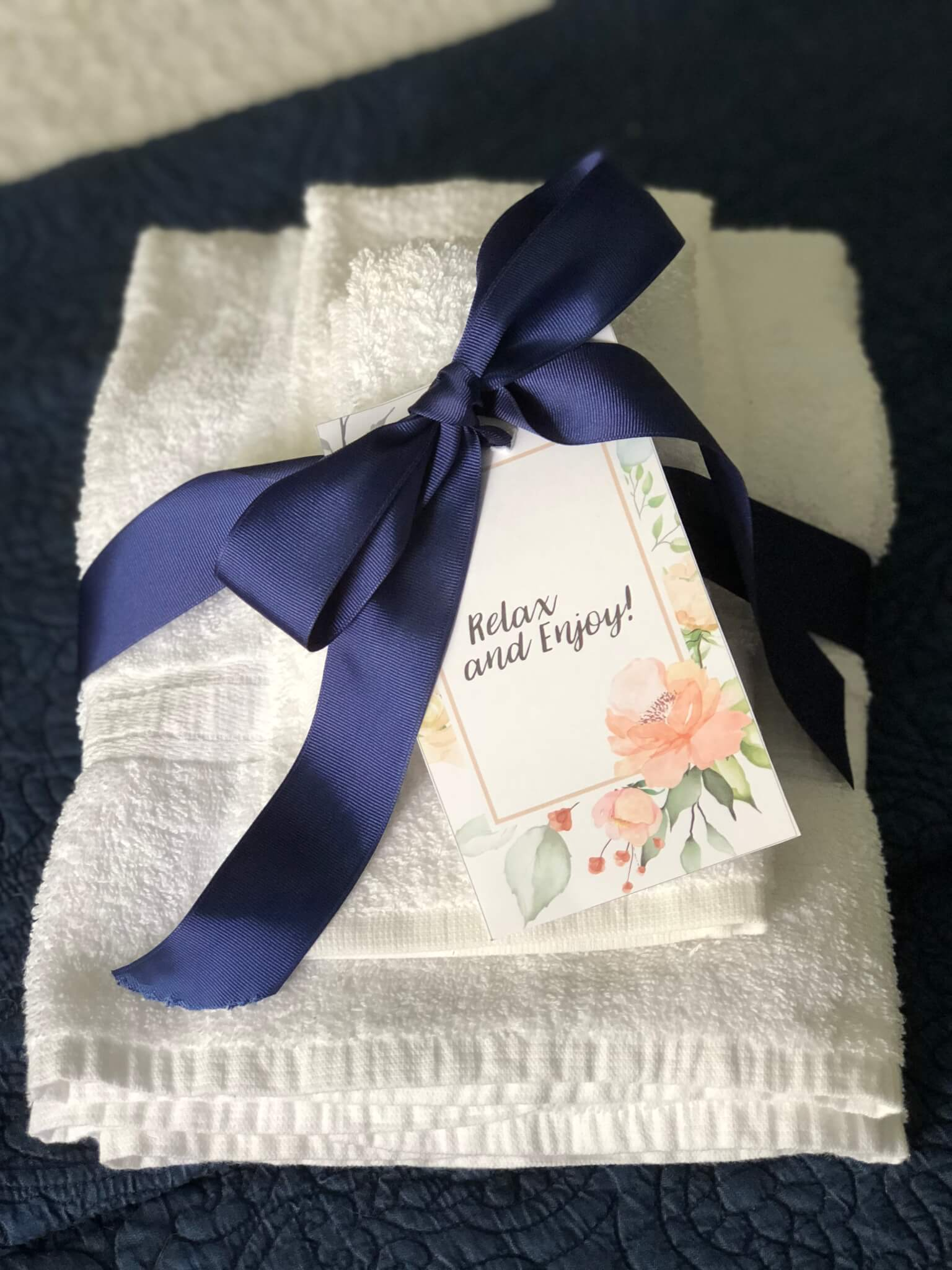 Guest Room Towels with free printable note.